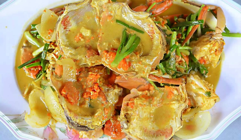 Stir-fried ( sea meat crab / sea egg crab) with curry powder